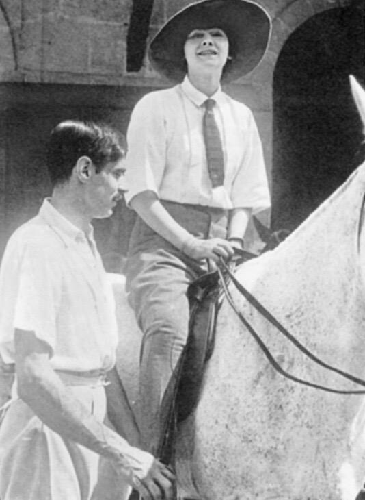 """誰も知らなかったココ・シャネル 大戦中の出会いと「大恋愛」ハル・ヴォーンからシャネルが生涯愛したアーサー・""""ボーイ""""・カペルとシャネル 1908年"""